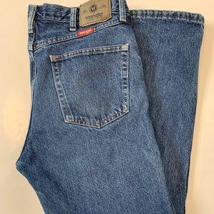 Men's wrangler size 34x32